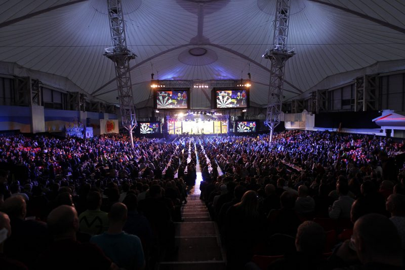Phil Taylor starts final world championship campaign against Chris Dobey