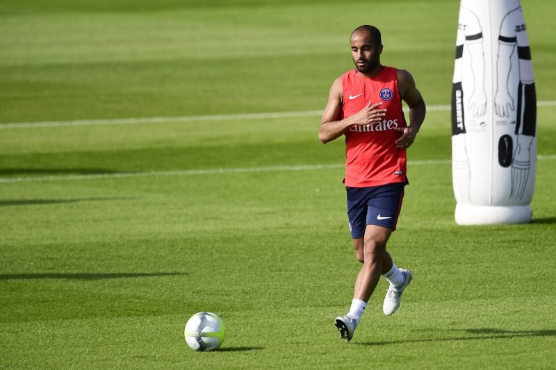Lucas Moura's representatives pushing for Liverpool switch over Manchester United